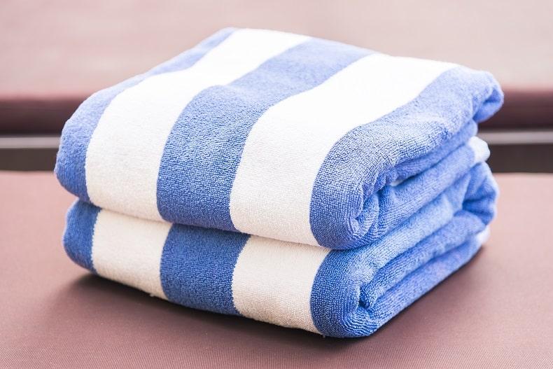 Telo mare: come lavare uno degli accessori mare più utilizzati